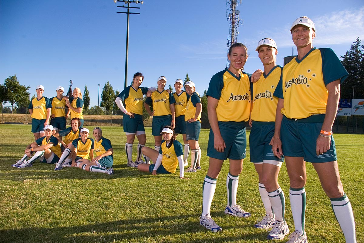 Team photo of Australian Women's softball team